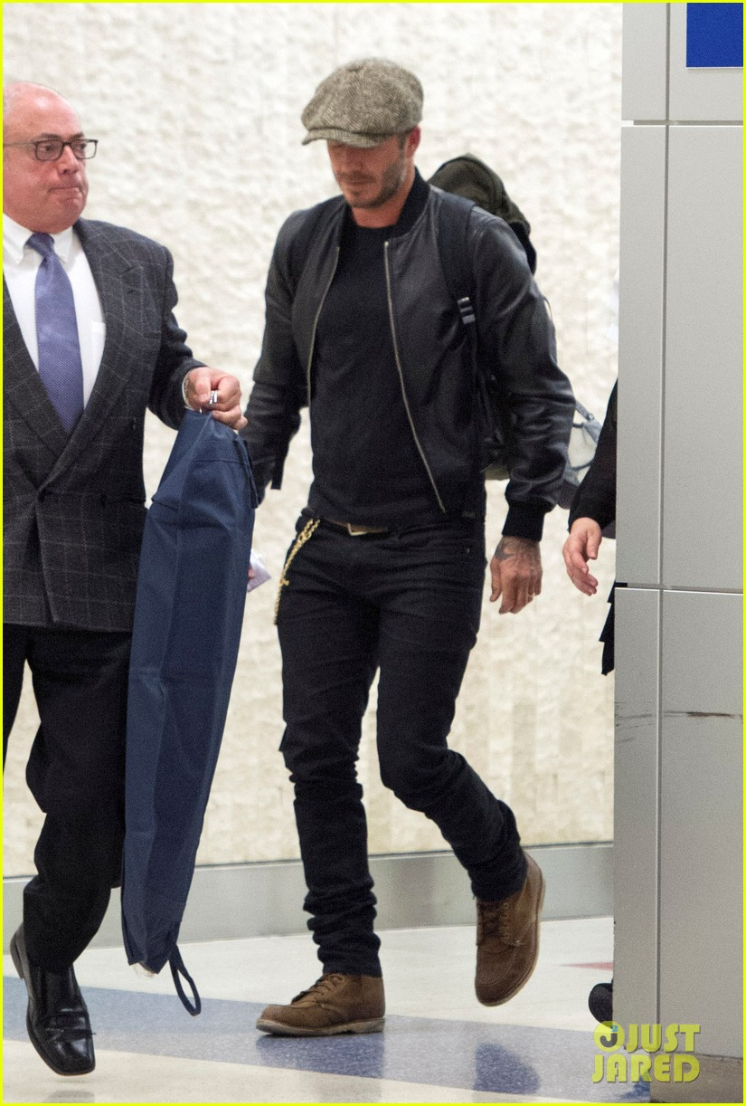 victoria david beckham arrive in nyc ahead of met ball 2014 033105464