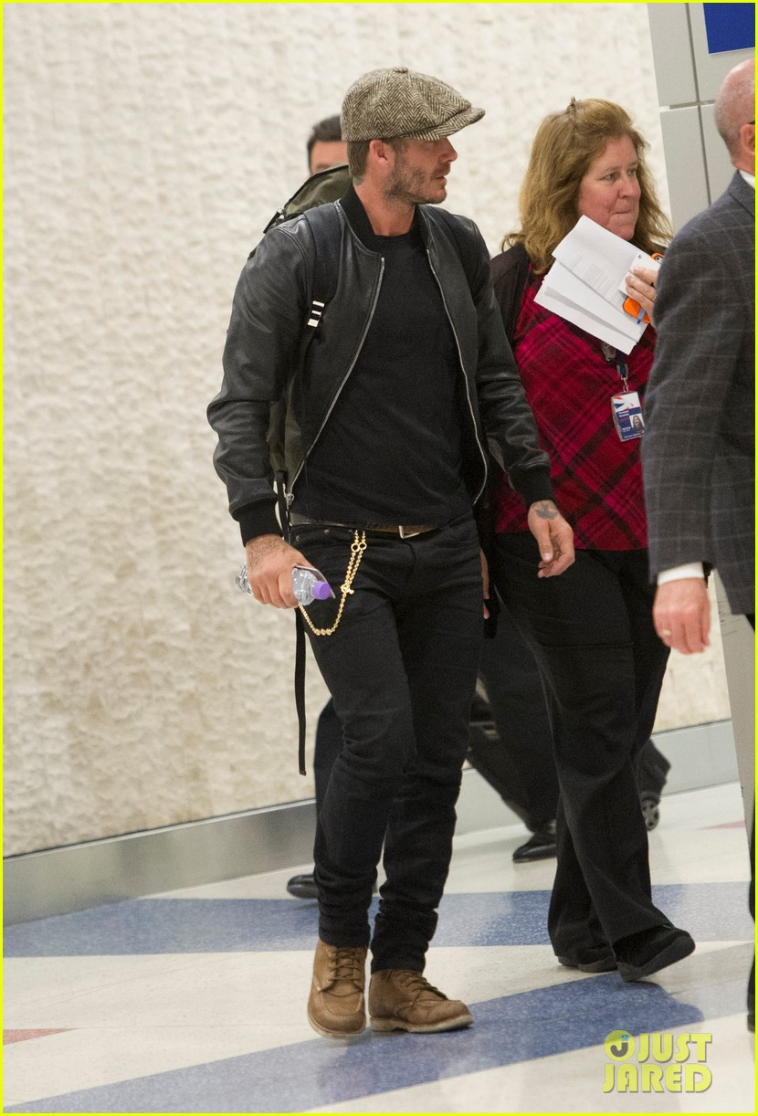 victoria david beckham arrive in nyc ahead of met ball 2014 043105465