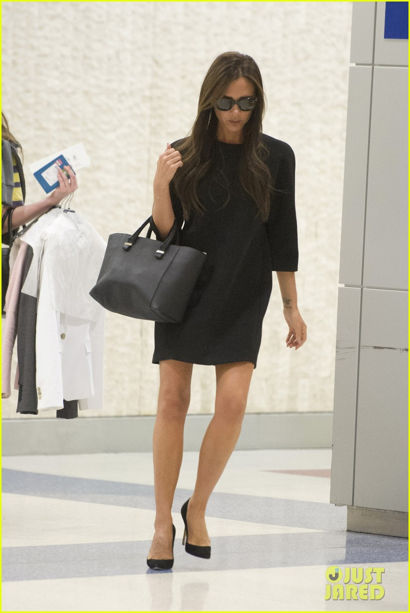 victoria david beckham arrive in nyc ahead of met ball 2014 073105468