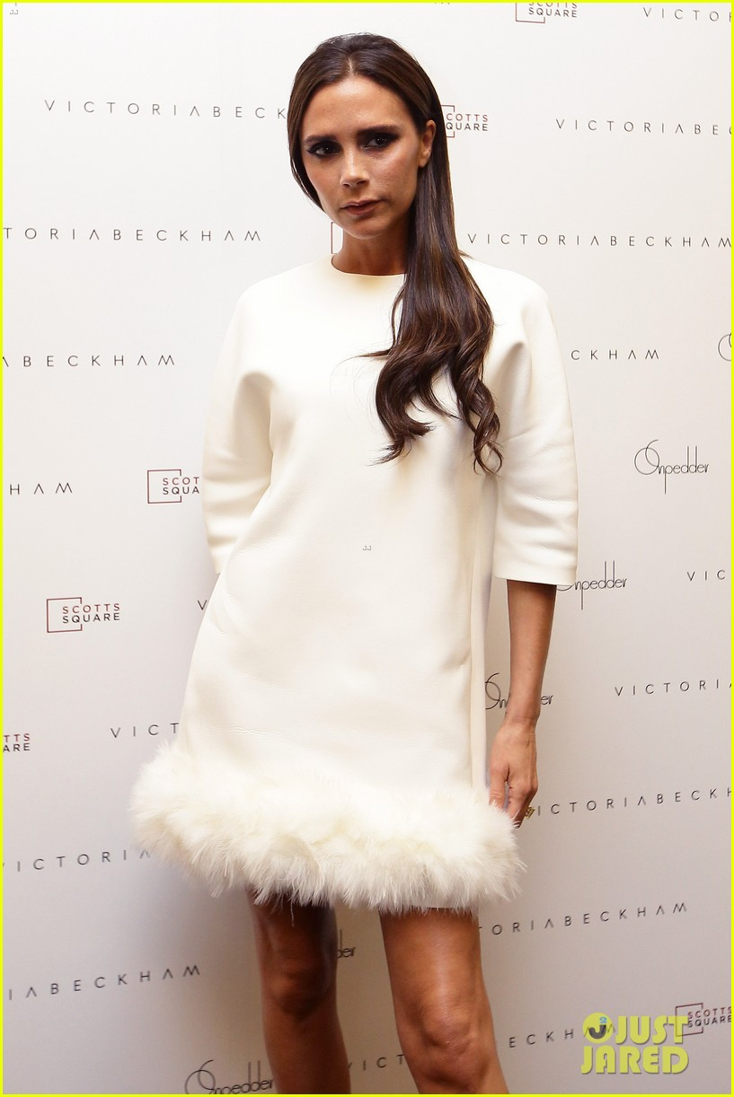 victoria beckham goes white hot for on pedder singapore 08