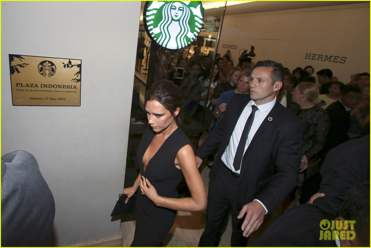 victoria david beckham spend time on separate continents 013112526