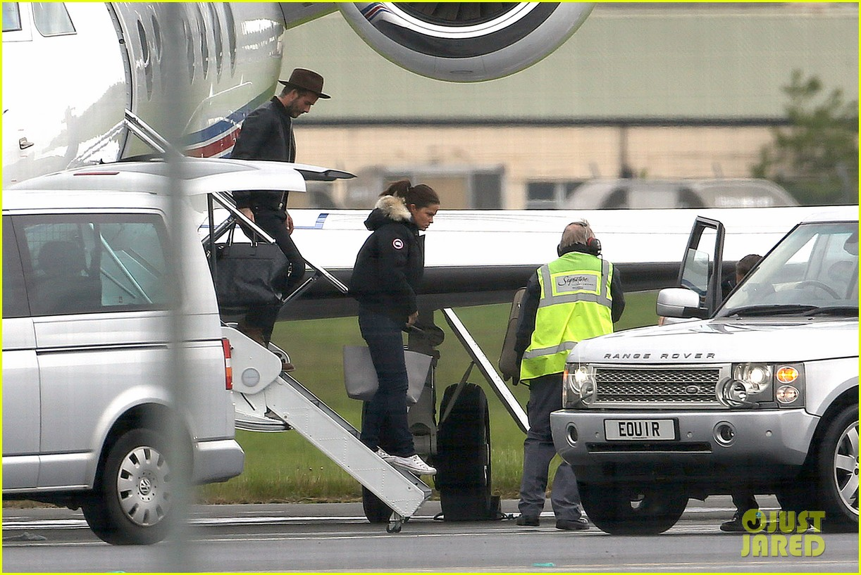 victoria david beckham spend time on separate continents 203112545