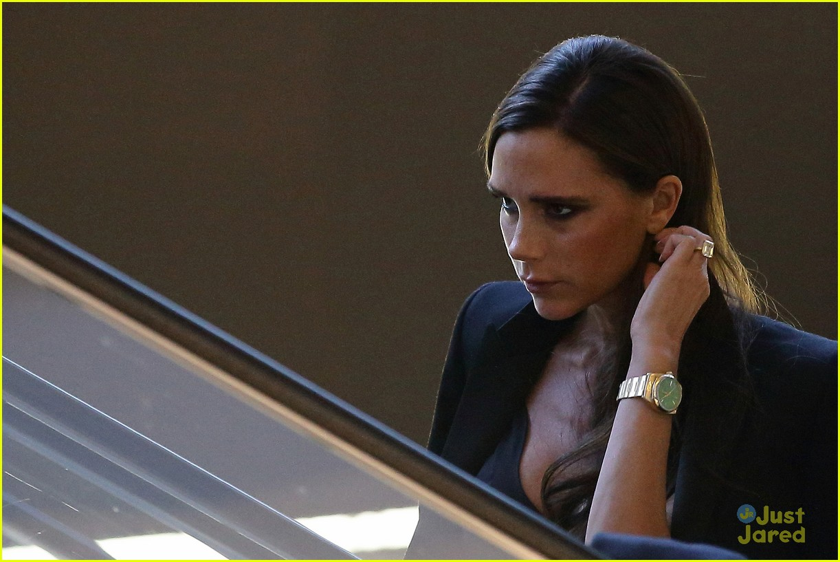 victoria beckham makes a triumphant return to singing 063111210