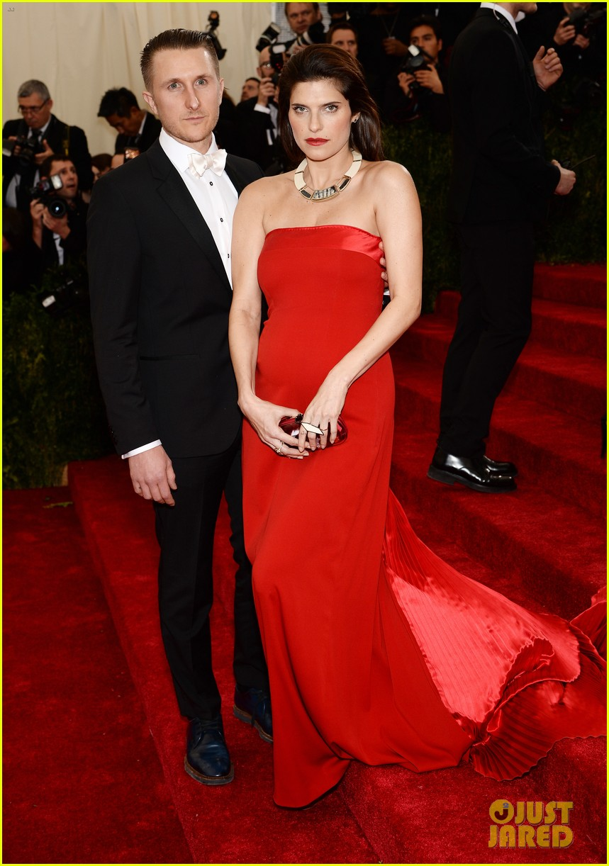 lake bell scott campbell 2014 met ball 043106012
