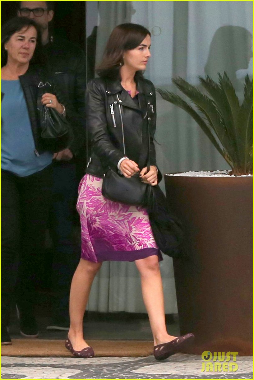camilla belle continues her tour of brazil with gucci 073124811