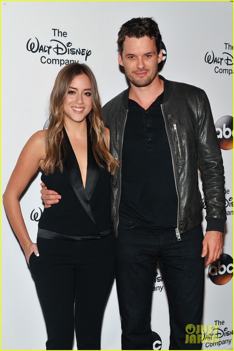 chloe bennet austin nichols make first red carpet appearance 083113813