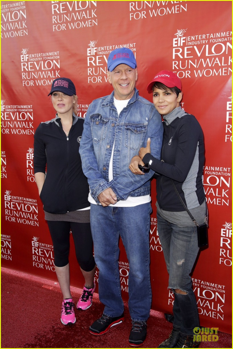 halle berry bruce willis wif revlon run 033110031