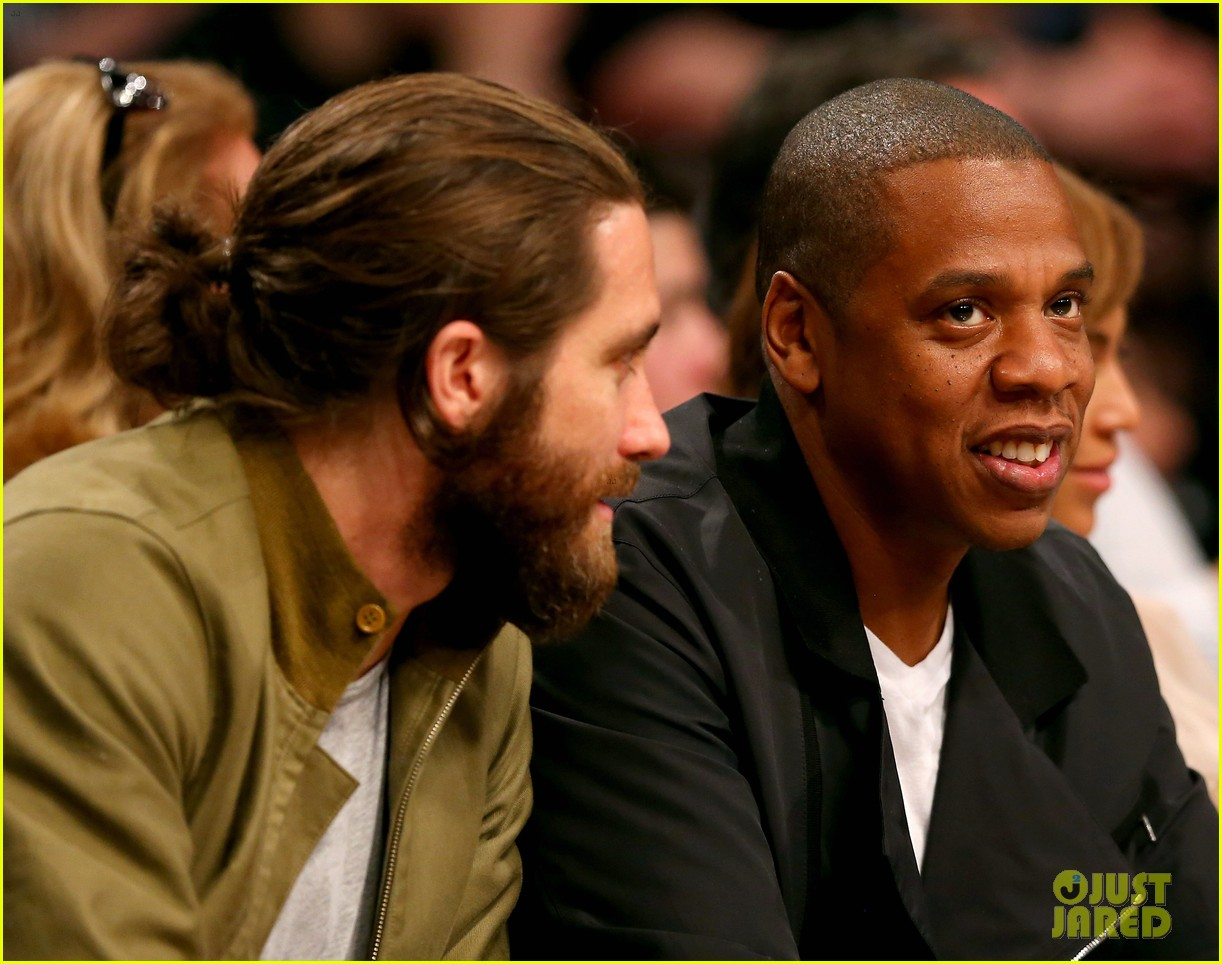 beyonce jay z nets game with jake gyllenhaal 01