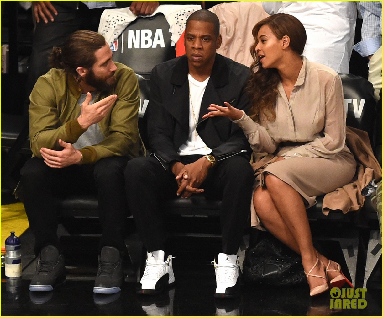 beyonce jay z nets game with jake gyllenhaal 033110505