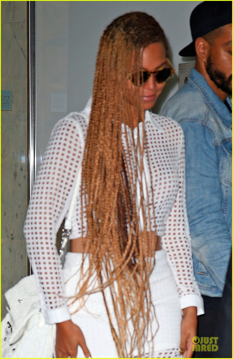 beyonce pays respects to maya angelou 043123605