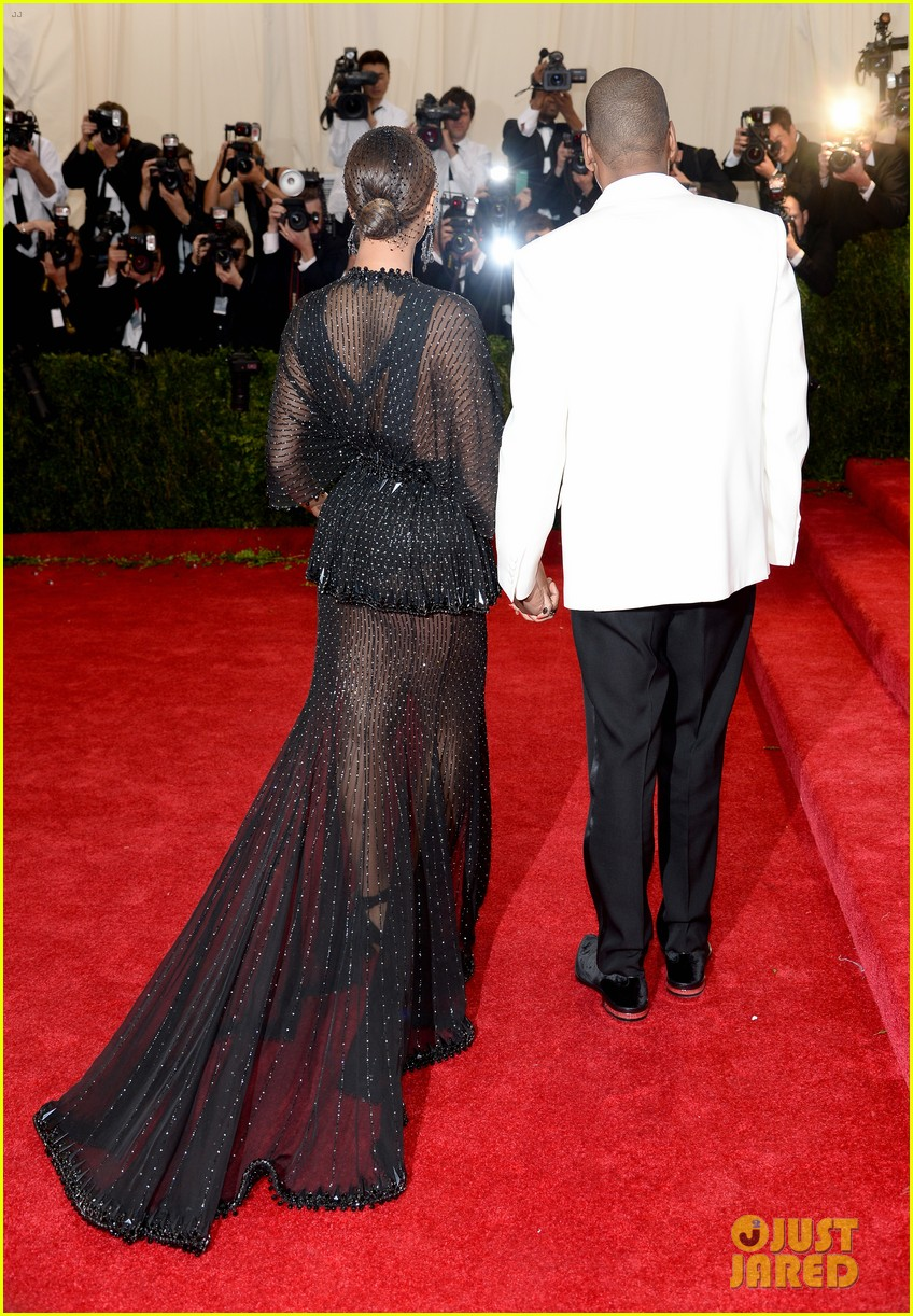 beyonce jay z ring met ball 2014 16