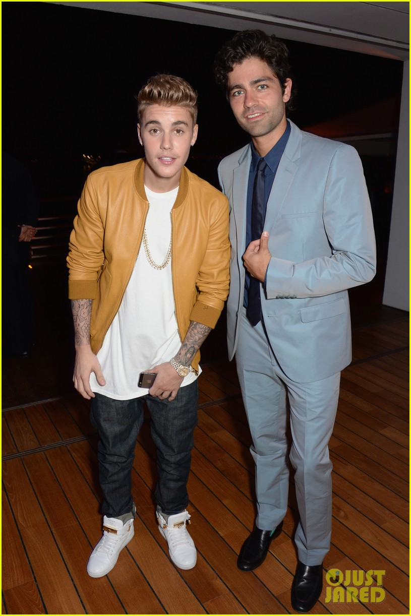 justin bieber drops the entourage while meeting adrian grenier 053116167