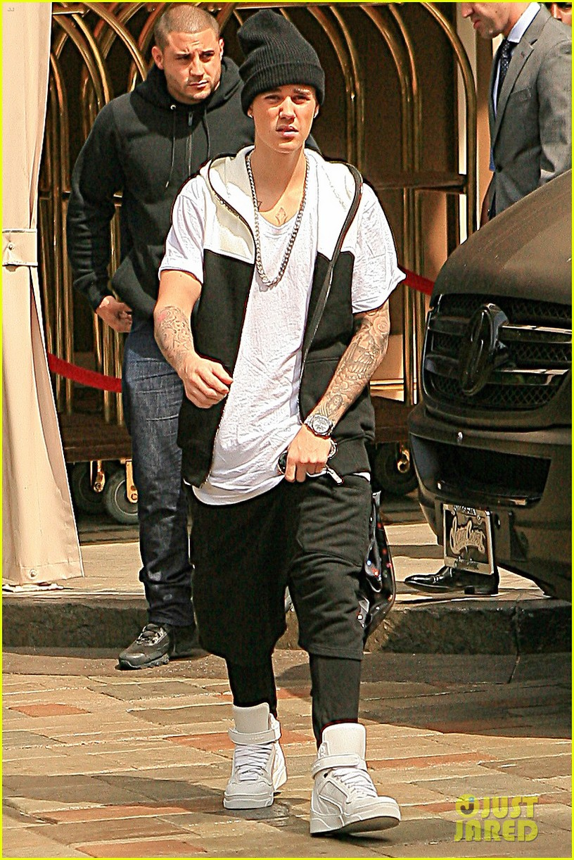 justin bieber talks god jesus 033108843
