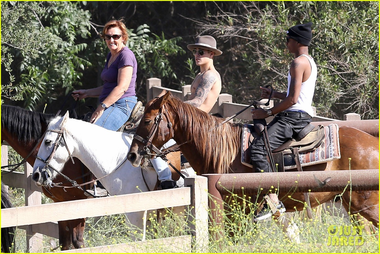 justin bieber shirtless horseback ride 113112047