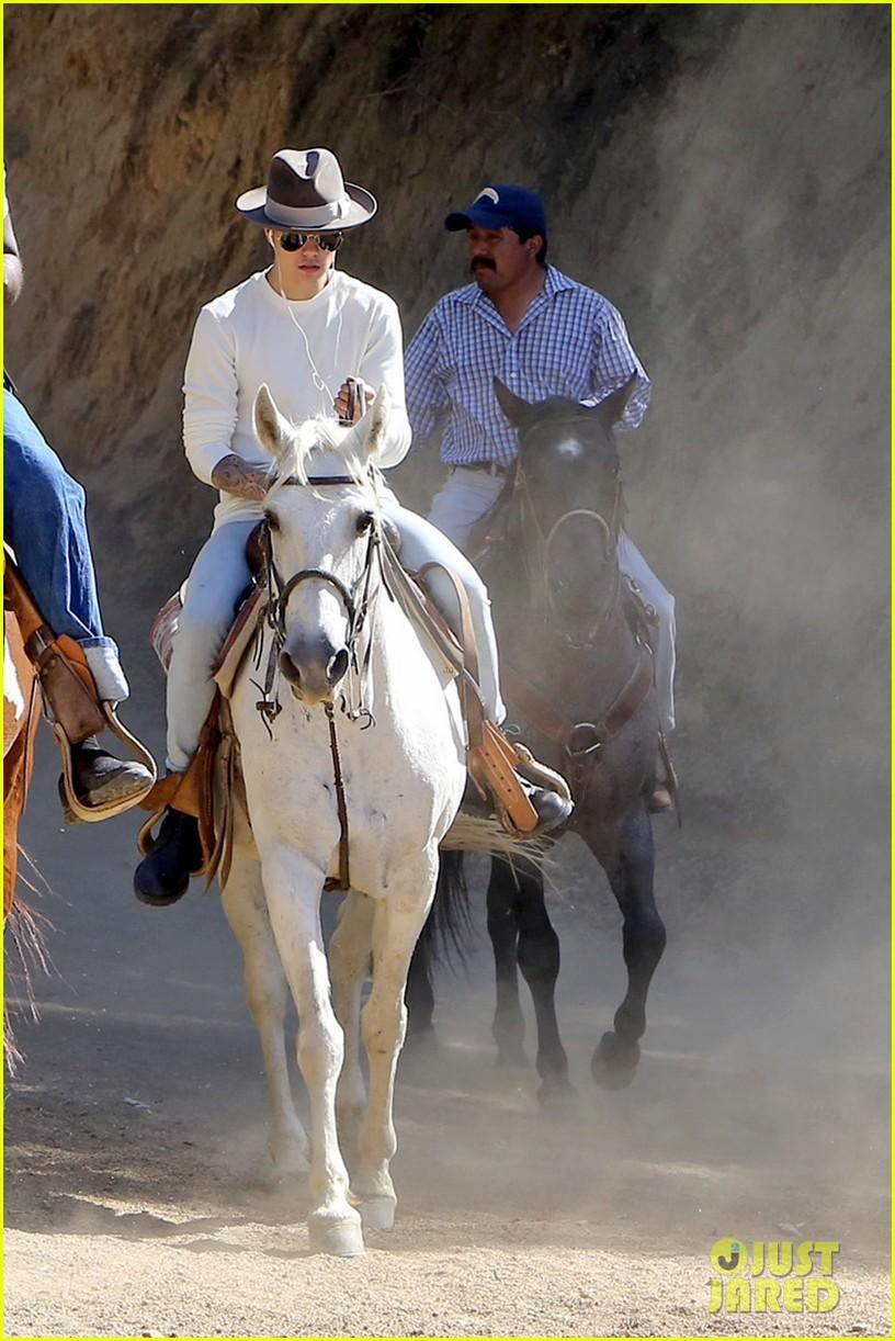 justin bieber shirtless horseback ride 233112059