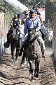 justin bieber shirtless horseback ride 15