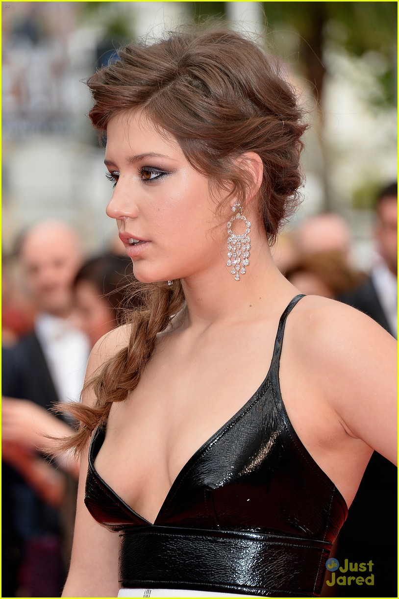 blake lively adele exarchopoulos cannes opening premiere 043113180