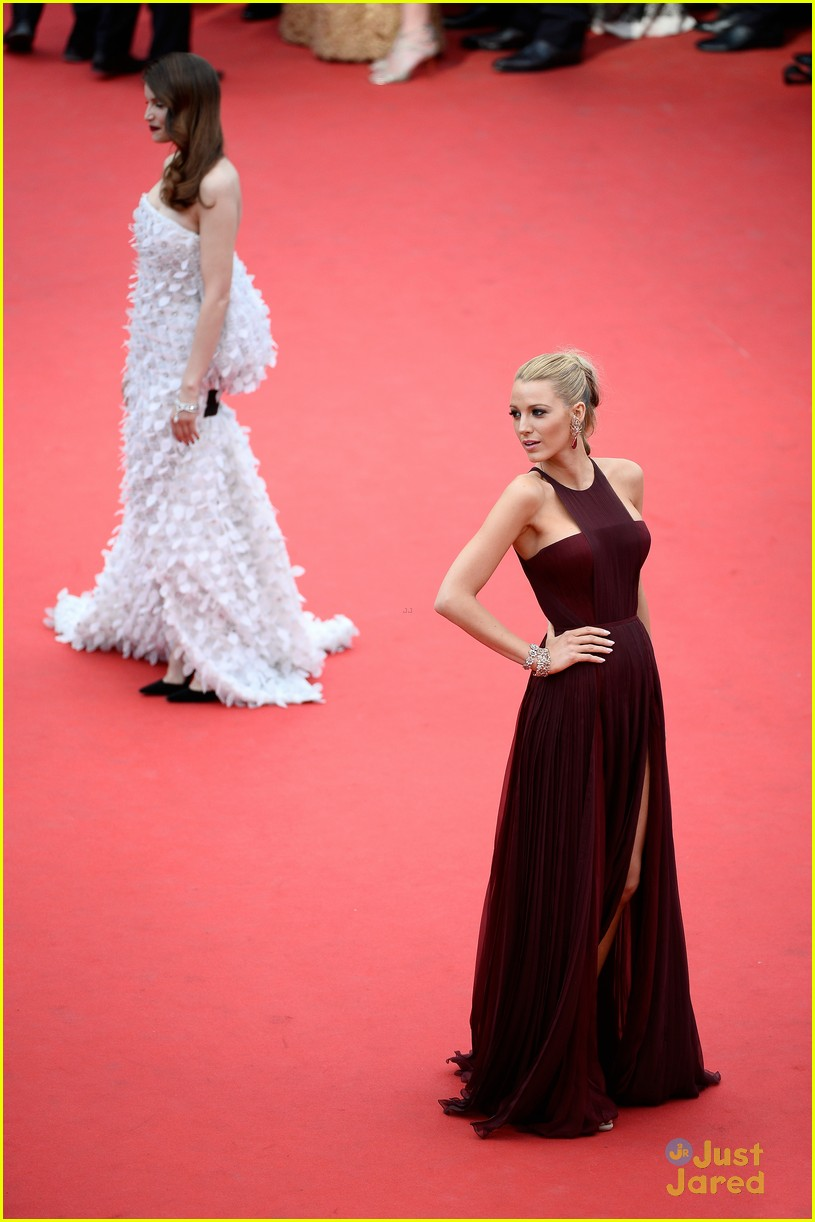 blake lively adele exarchopoulos cannes opening premiere 083113184
