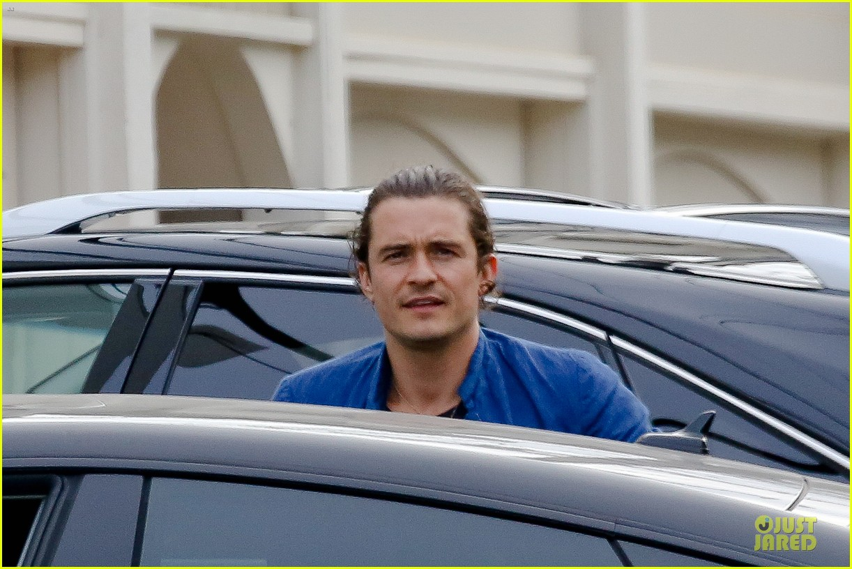 orlando bloom shirtless sexy in malibu 10