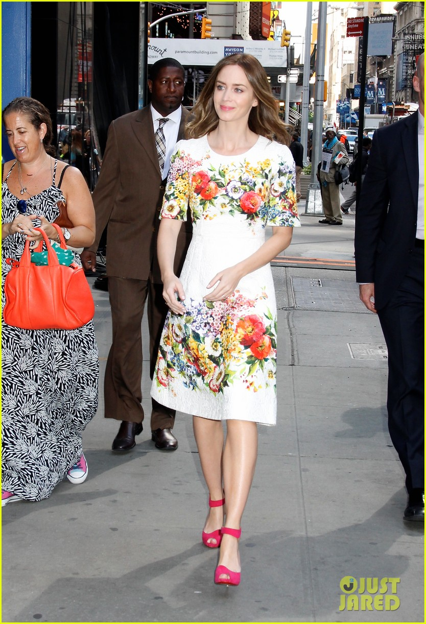 emily blunt floral dress for gma 01