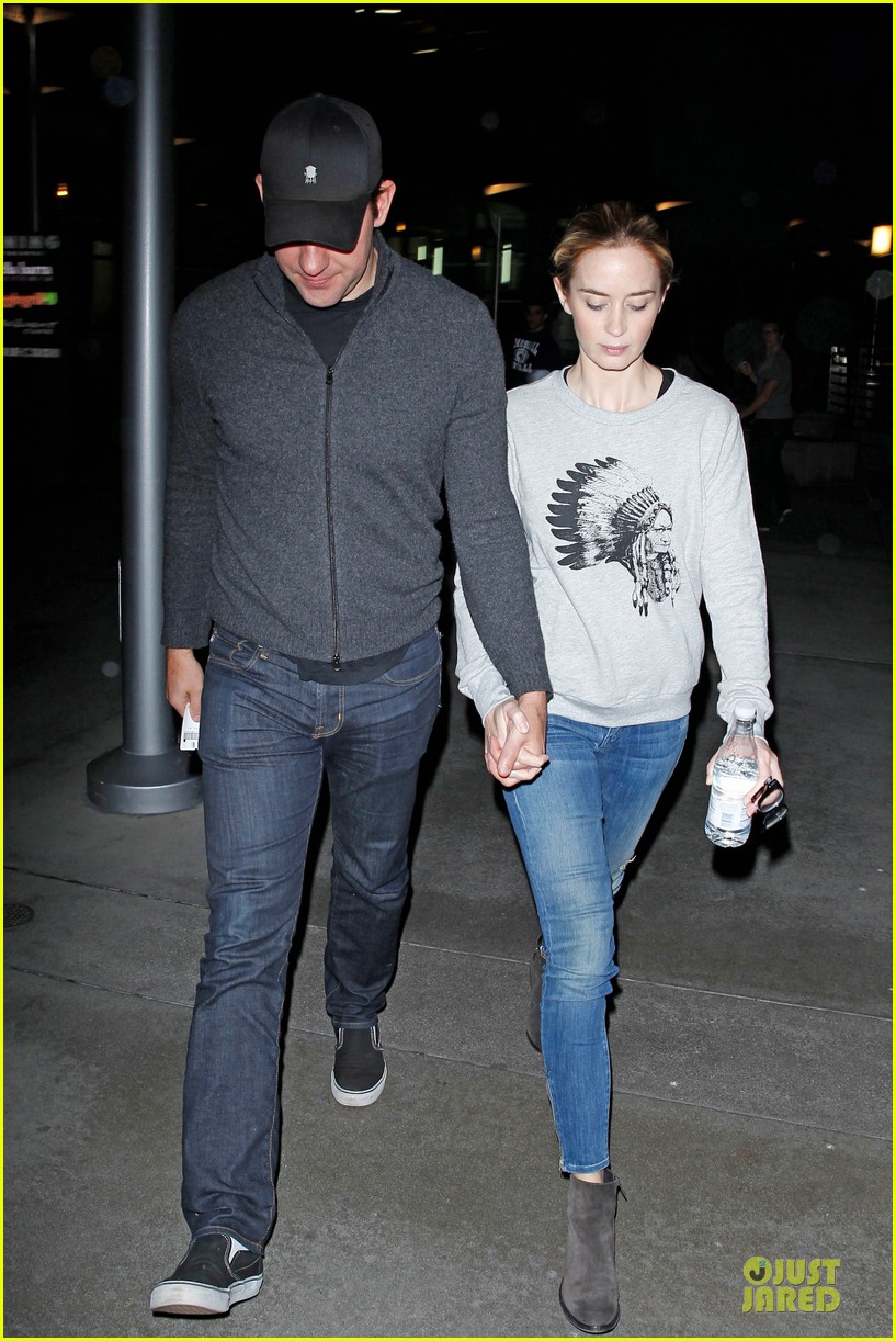 emily blunt john krasinski buy home in hollywood hills 013109644