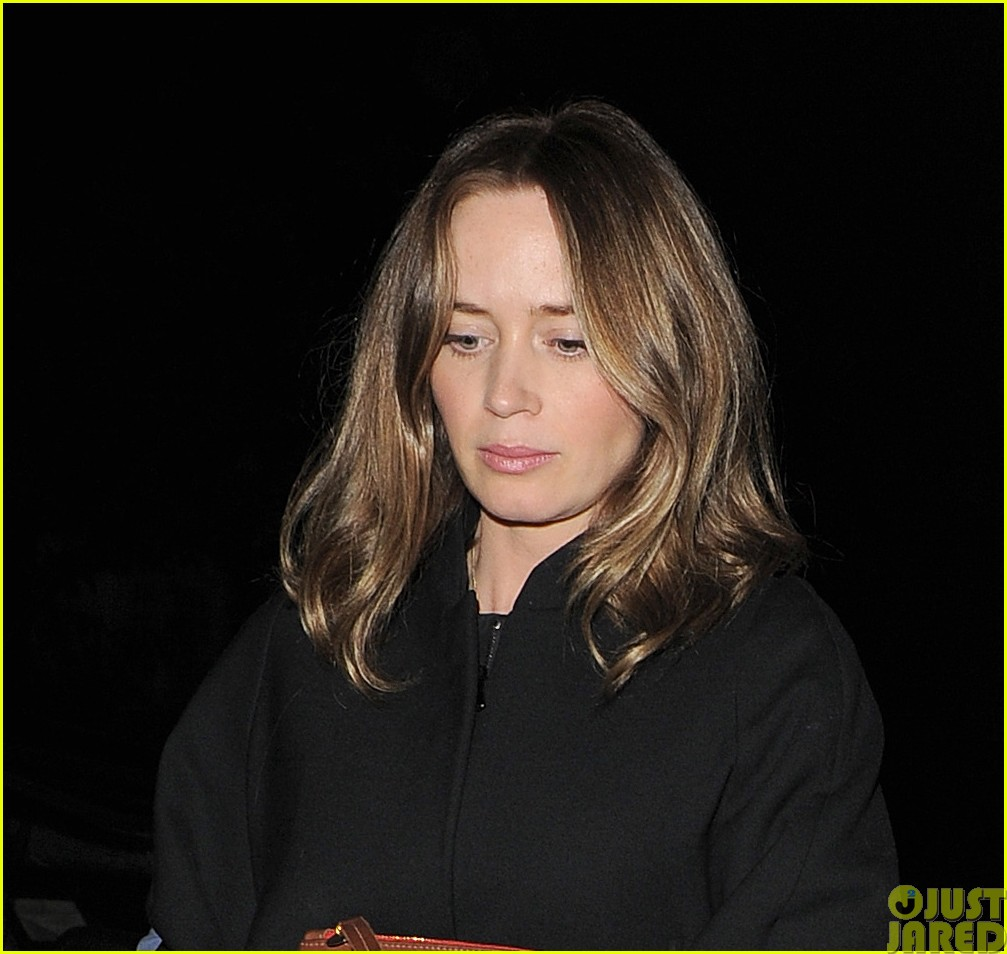 emily blunt and john krasinski hit the town with chris martin and jeremy renner033121064