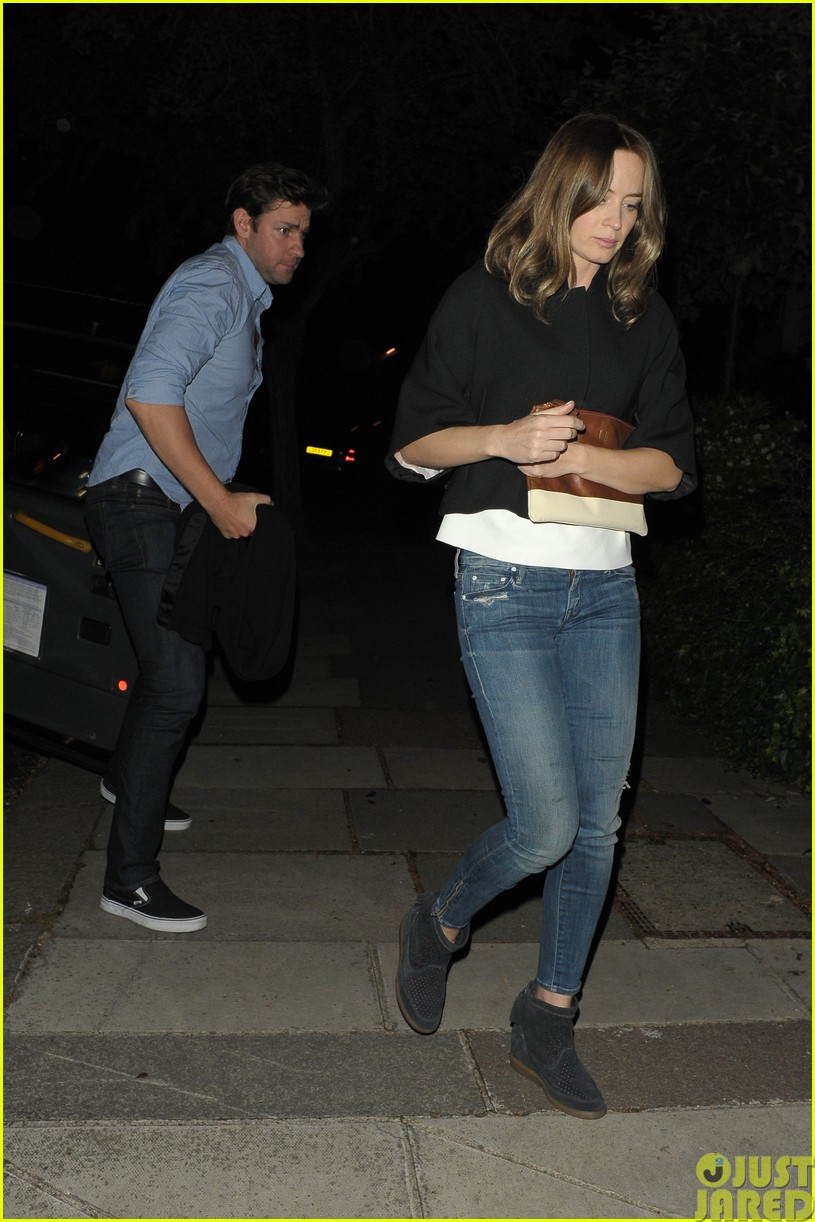 emily blunt and john krasinski hit the town with chris martin and jeremy renner143121075