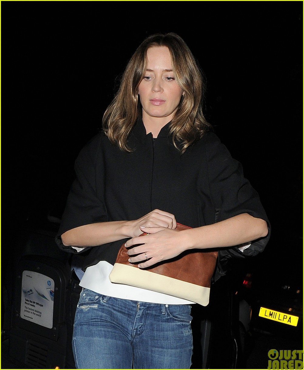 emily blunt and john krasinski hit the town with chris martin and jeremy renner313121092
