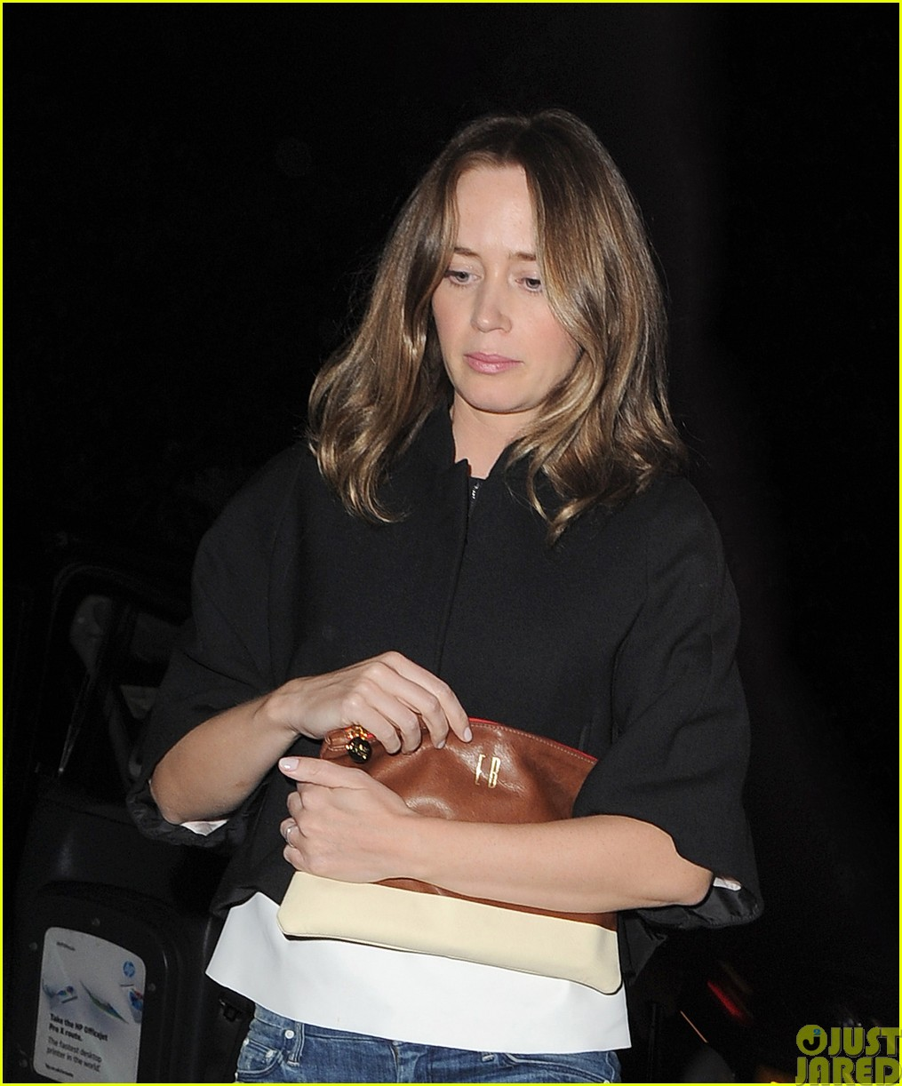 emily blunt and john krasinski hit the town with chris martin and jeremy renner353121096