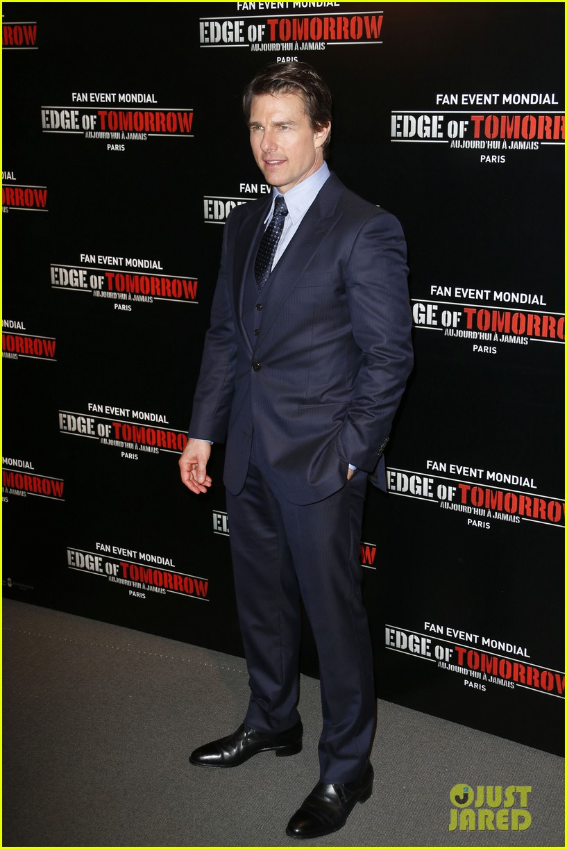 tom cruise emily blunt premiere edge of tomorrow in second city of the day 053123333