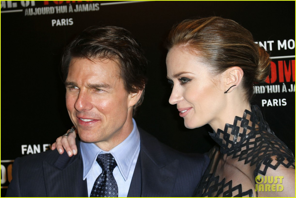tom cruise emily blunt premiere edge of tomorrow in second city of the day 083123336