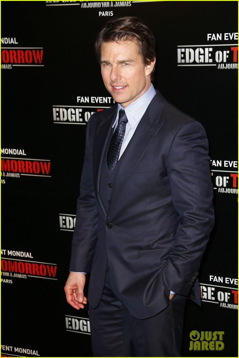 tom cruise emily blunt premiere edge of tomorrow in second city of the day 093123337