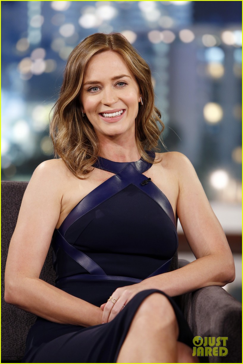 emily blunt reveals she took tom cruise to a sex club 023114568