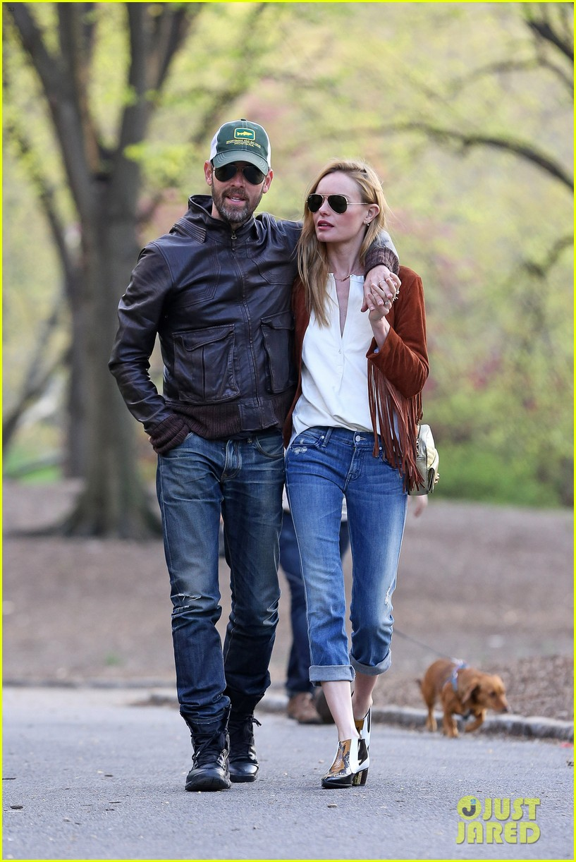 kate bosworth michael polish central park stroll 033104140