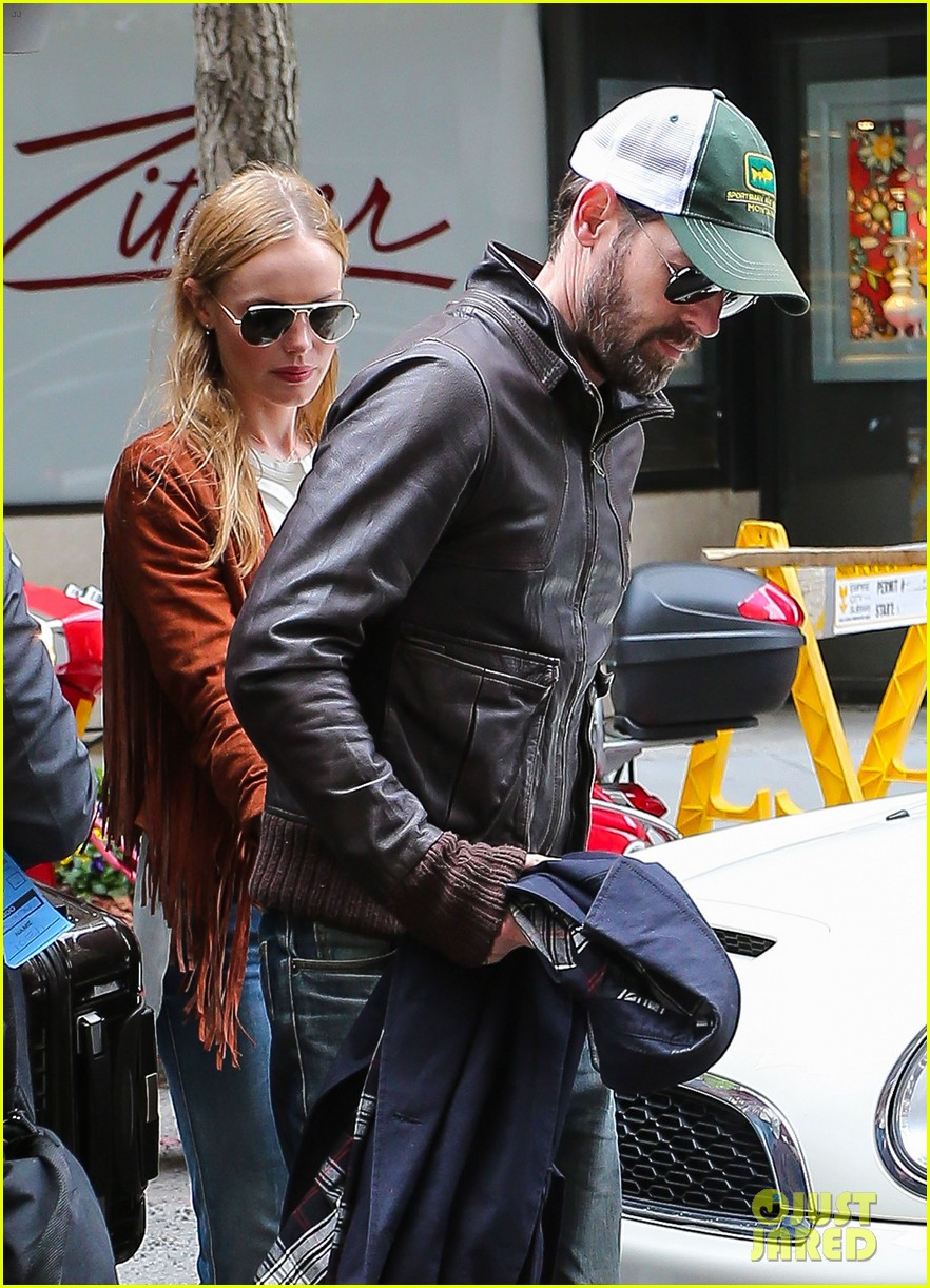 kate bosworth michael polish central park stroll 04