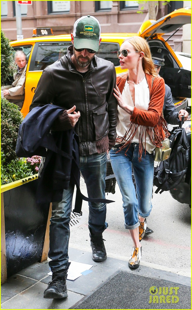 kate bosworth michael polish central park stroll 083104145