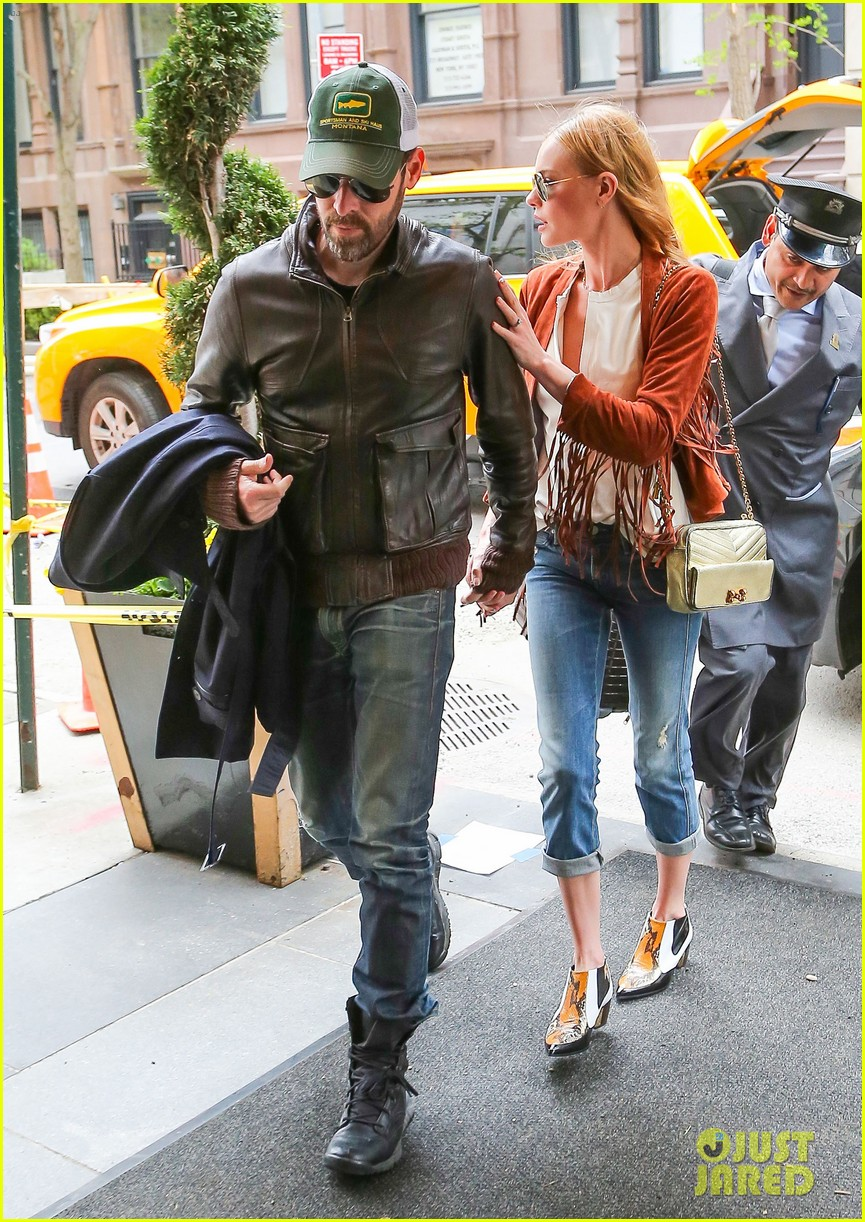 kate bosworth michael polish central park stroll 103104147