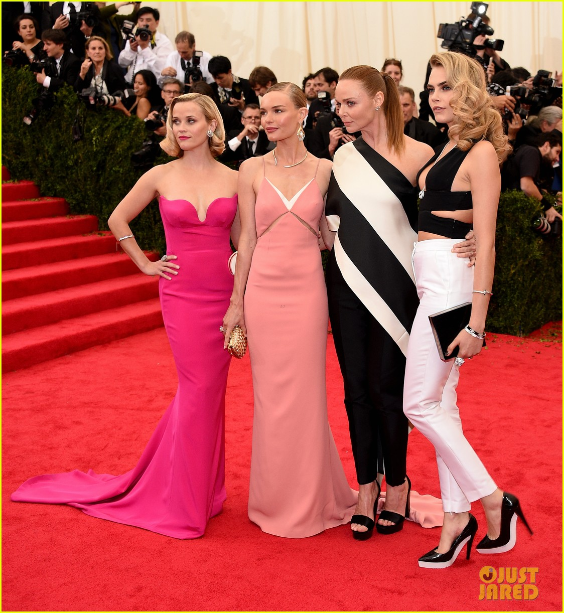 kate bosworth meets up with stella mccartneys other attendees at met ball 2014 043106348