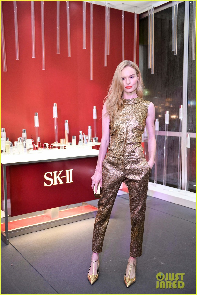 kate bosworth shimmers in singapore at skii fashion show 053117190
