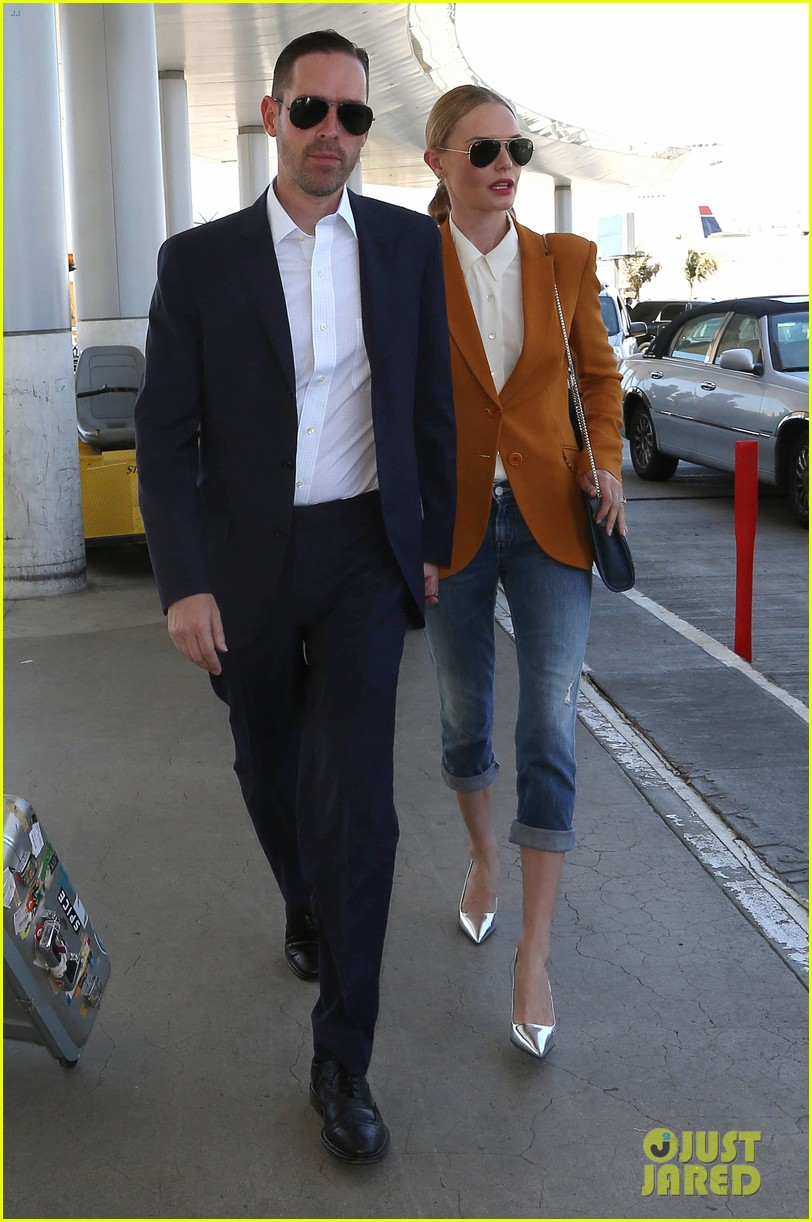kate bosworth has a surreal moment at the airport 063113432