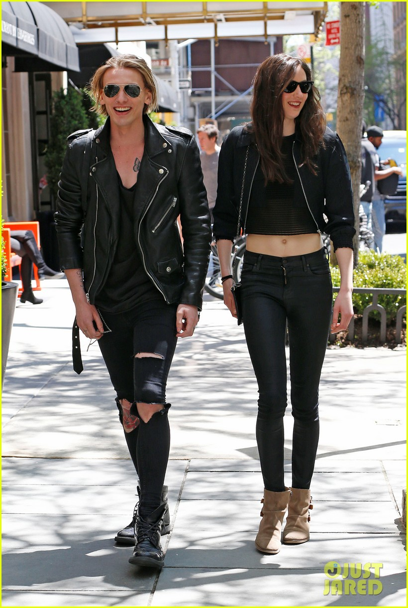 jamie campbell bower matilda lowther stroll in the city 02