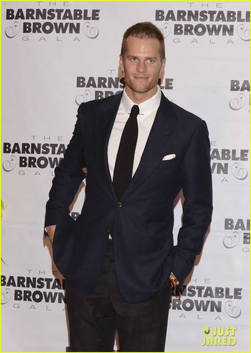 tom brady stephen amell add hunk factor to kentucky derby 173104284