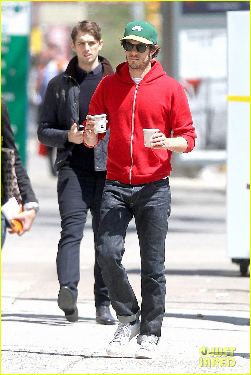 adam brody spends his saturday morning outside in the sun 08