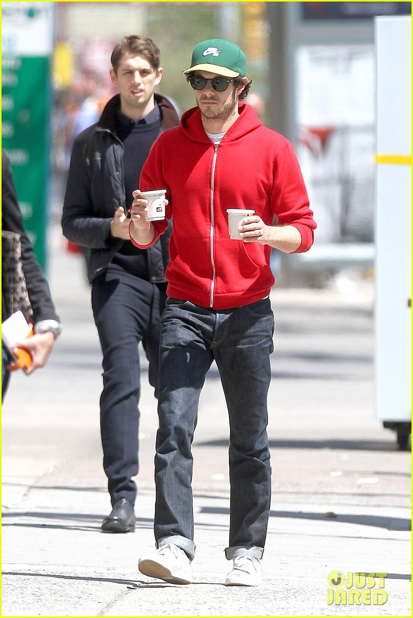 adam brody spends his saturday morning outside in the sun 14