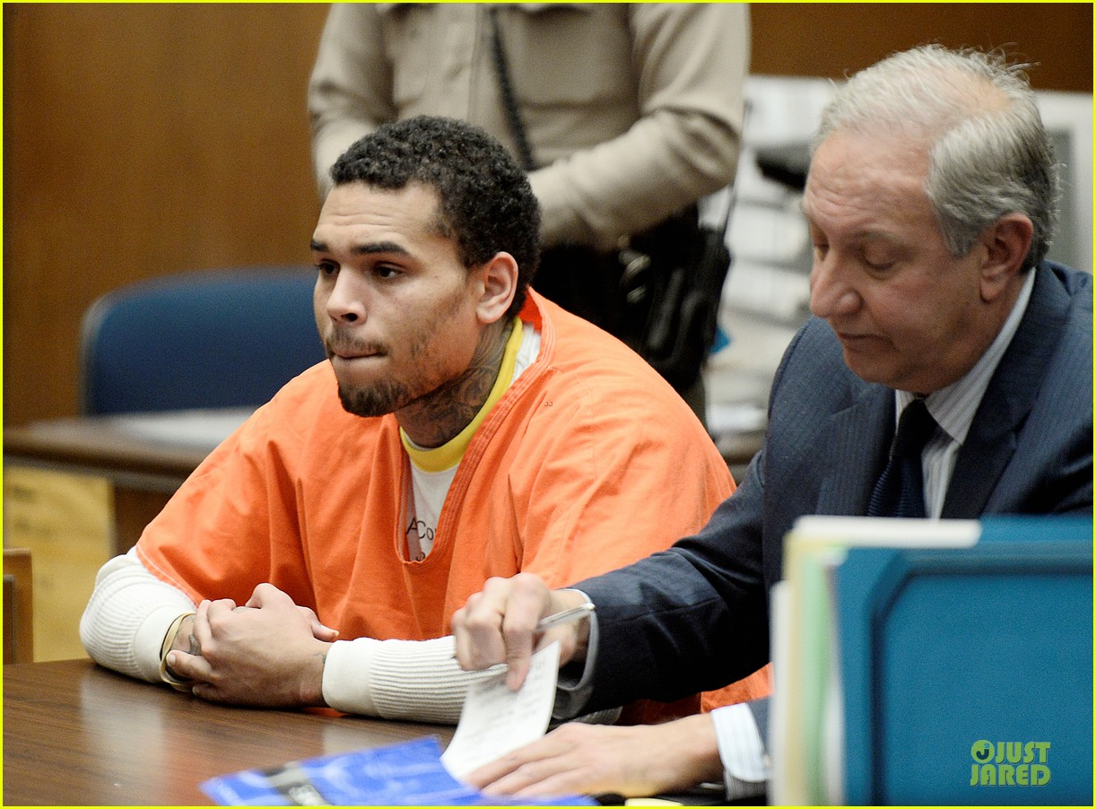 chris brown gets 131 days of jail 043109711