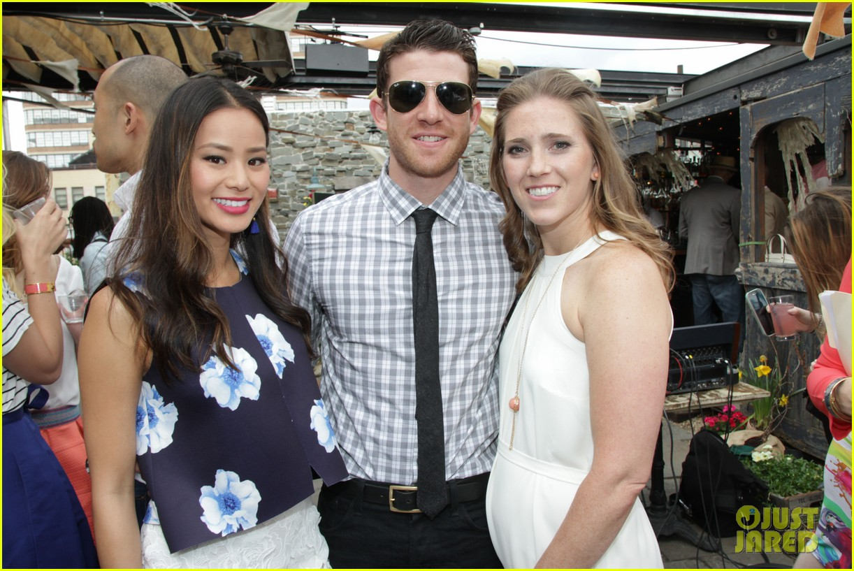 jamie chung supports fiance bryan greenberg olevolos project brunch 213105205