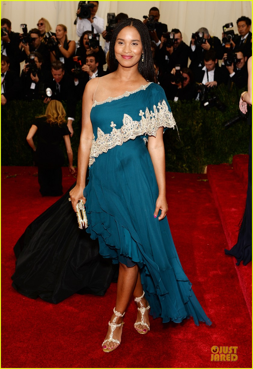 joy bryant shoulder at met ball 2014 013106574