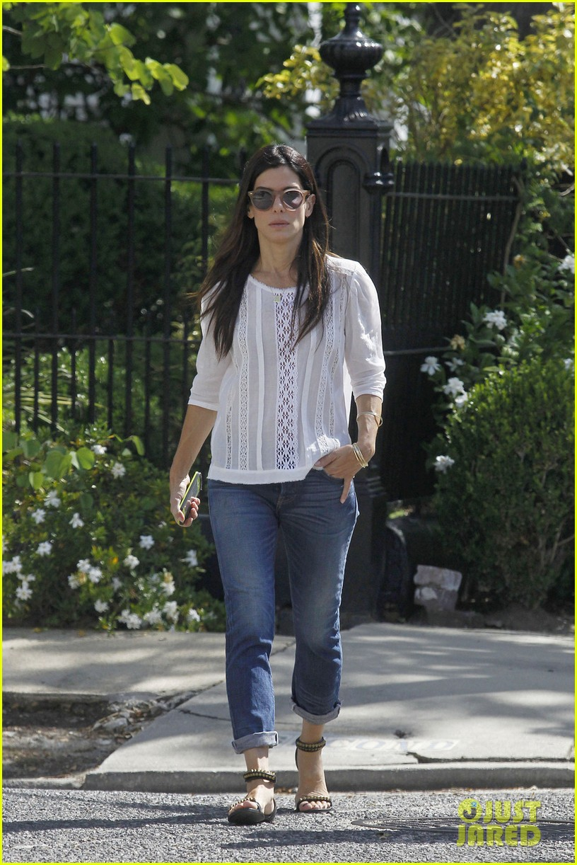 sandra bullock settles lawsuit with jewelry company 033119586