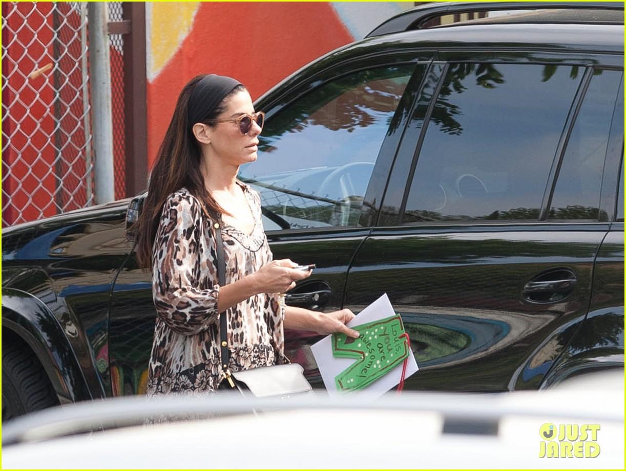 sandra bullock steps out after chris evans romance rumors 053124084