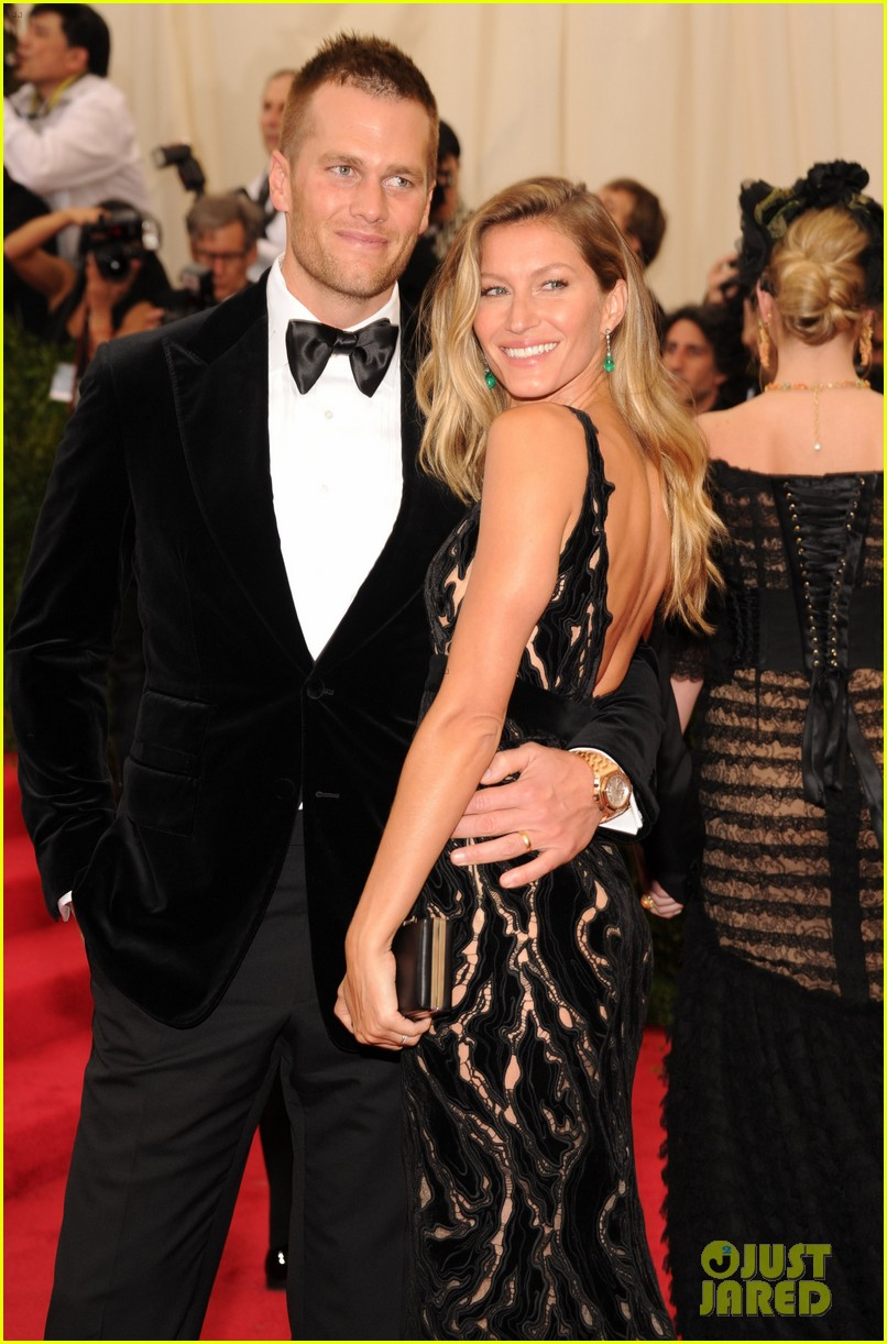gisele bundchen tom brady are glowing couple at met ball 2014 023106099